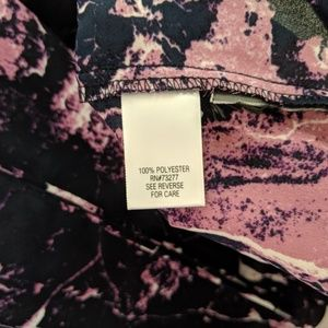 Simply Vera Vera Wang Tops - Simply Vera Wang Sleeveless Abstract Print Blouse